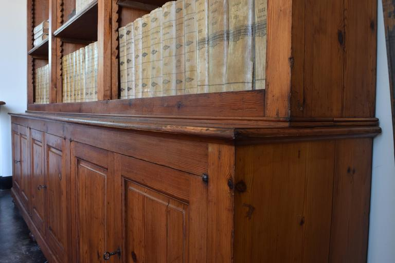 Late 19th Century Italian circa 1870 Large Bookcase in Chestnut, Open Shelves and Locking Cabinets For Sale