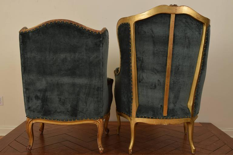 Matched Pair of French Louis XV Style 19th Century Carved Giltwood Bergeres For Sale 1