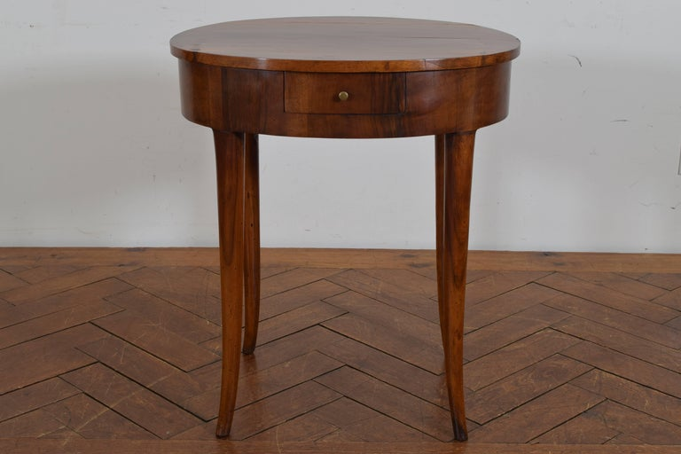Italian Neoclassical Walnut Oval One Drawer Side Table, 19th Century 2
