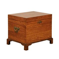 Early 19th Century American Satinwood Cellarette