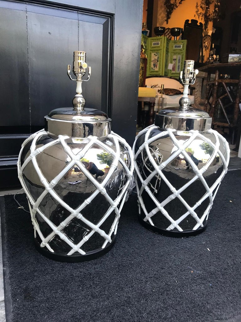 Pair of Midcentury Mercury Glass Lamps with Faux Bamboo Lattice For Sale 1