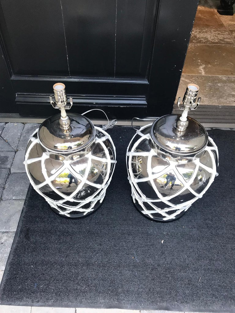 Pair of Midcentury Mercury Glass Lamps with Faux Bamboo Lattice For Sale 2