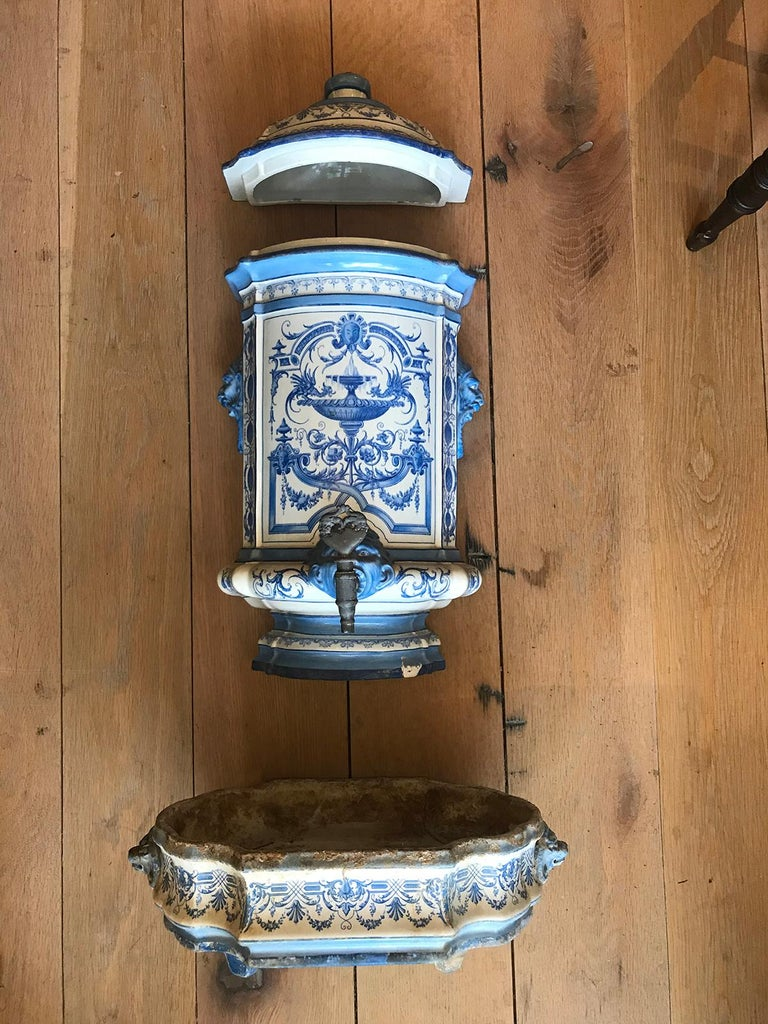 Early 19th Century Creil- Montereau French Blue & White Faience 3 Piece Lavabo For Sale 5
