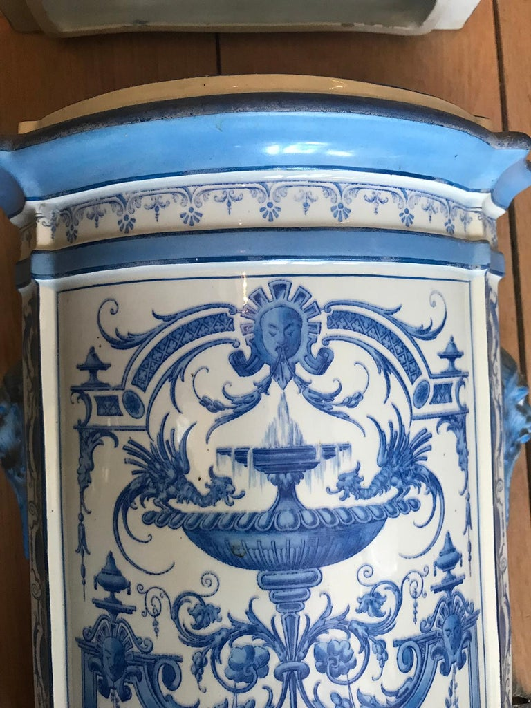Early 19th Century Creil- Montereau French Blue & White Faience 3 Piece Lavabo For Sale 1
