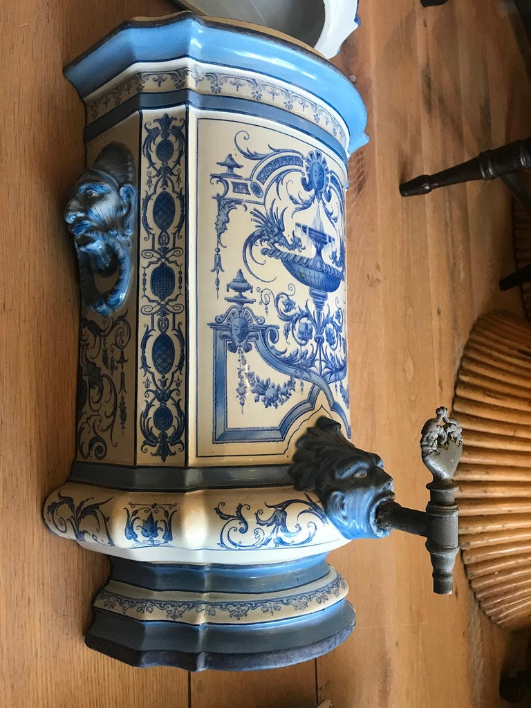 Early 19th Century Creil- Montereau French Blue & White Faience 3 Piece Lavabo For Sale 2