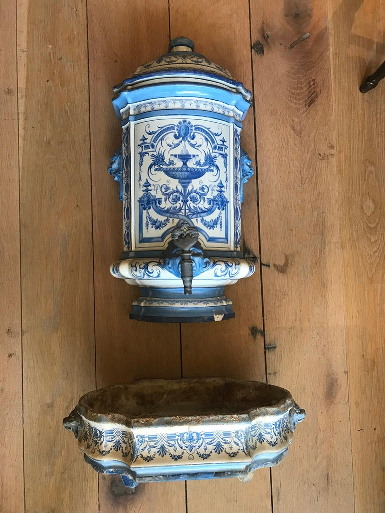 Early 19th Century Creil- Montereau French Blue & White Faience 3 Piece Lavabo For Sale 15