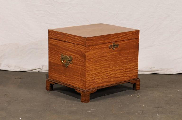 Early 19th Century American Satinwood Cellarette 3