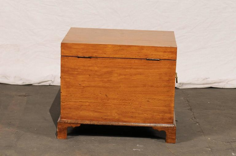 Early 19th Century American Satinwood Cellarette 5