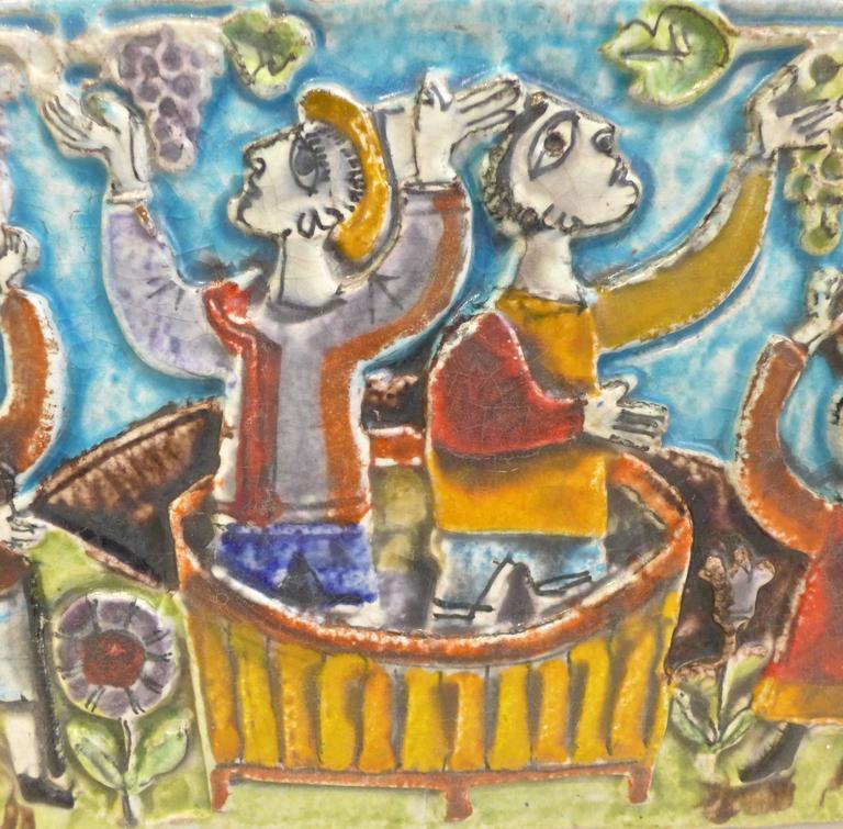 Viticulture Majolica Plaque by Giovanni de Simone In Excellent Condition For Sale In New York, NY
