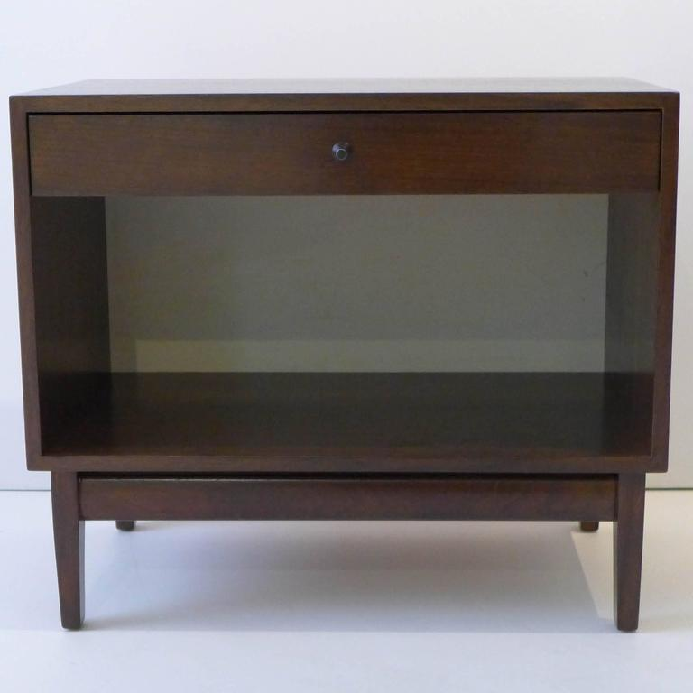 Mid-Century Modern Pair of Calvin Furniture Nightstands For Sale