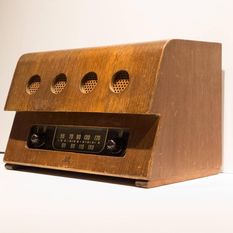 Rare Charles and Ray Eames Molded Plywood Radio In Good Condition In New York, NY