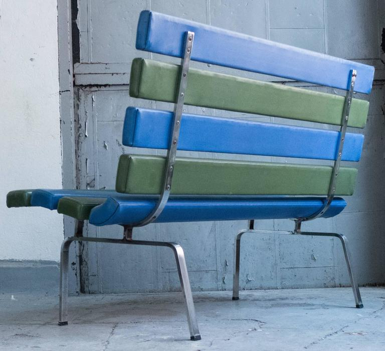 Gerald McCabe Slat Settee for Pacific Furniture In Good Condition For Sale In New York, NY