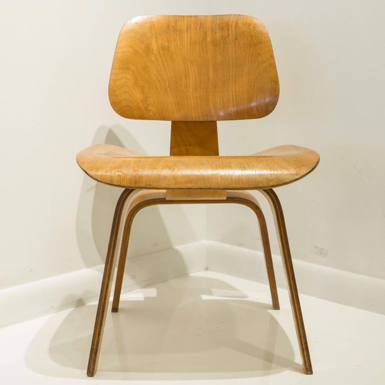 Mid-Century Modern Early Eames DCW for Evans Products