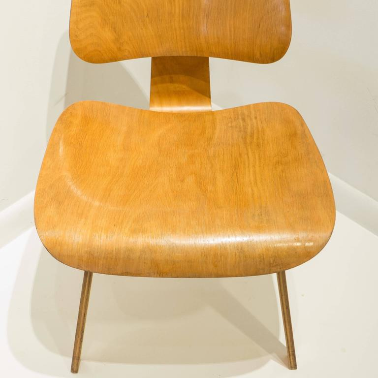 Early Eames DCW for Evans Products In Good Condition For Sale In New York, NY