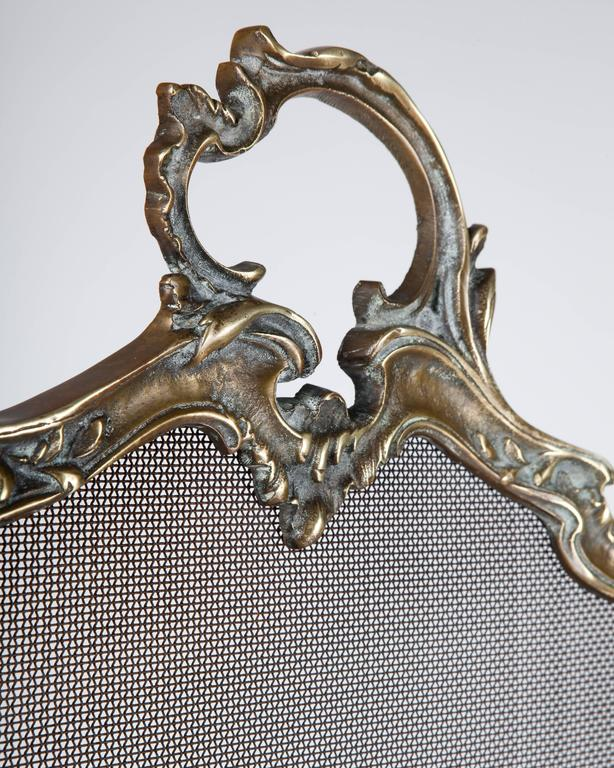 Bronze Louis XV Fire Screen, Circa 1900 In Excellent Condition For Sale In New York, NY