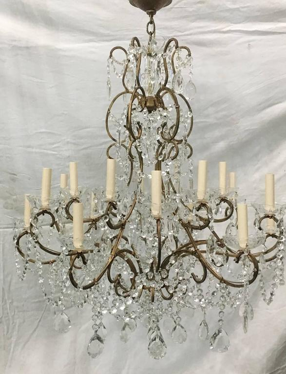 Early 20th Century Large Italian Crystal Chandelier For Sale