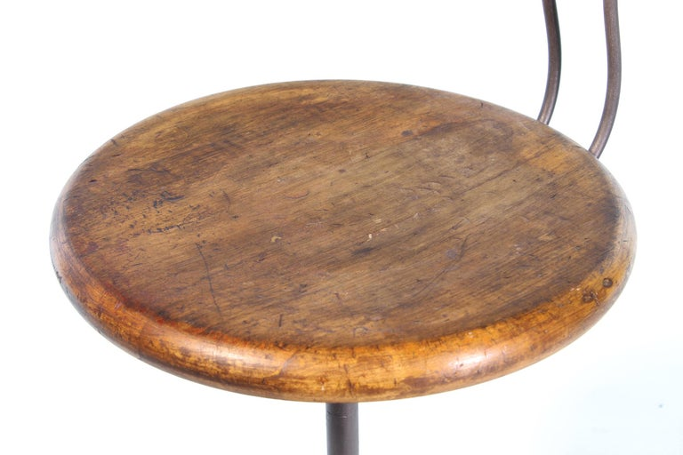 Antique New Britain Machine Co. Connecticut Factory Adjustable Stool with Back For Sale 6