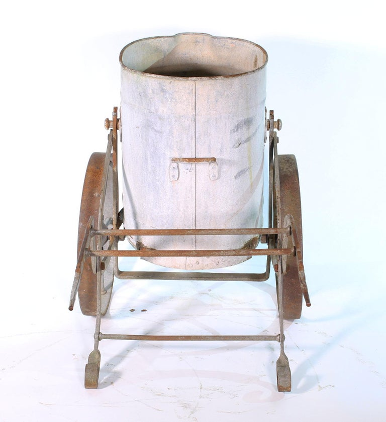 Early 20th Century Iron and Zinc French Water Barrow In Distressed Condition For Sale In Oakville, CT