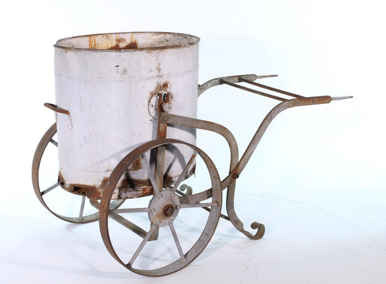 Early 20th Century Iron and Zinc French Water Barrow For Sale 5