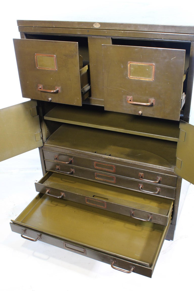 Vintage Industrial Army Green Art-Metal Combination Flat File and Filing Cabinet For Sale 7