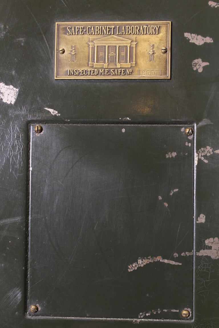 Vintage Steel Safe-Cabinet Co. Safe For Sale 9