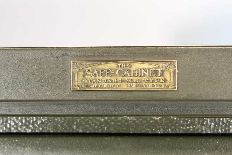 Vintage Steel Safe-Cabinet Co. Safe For Sale 10