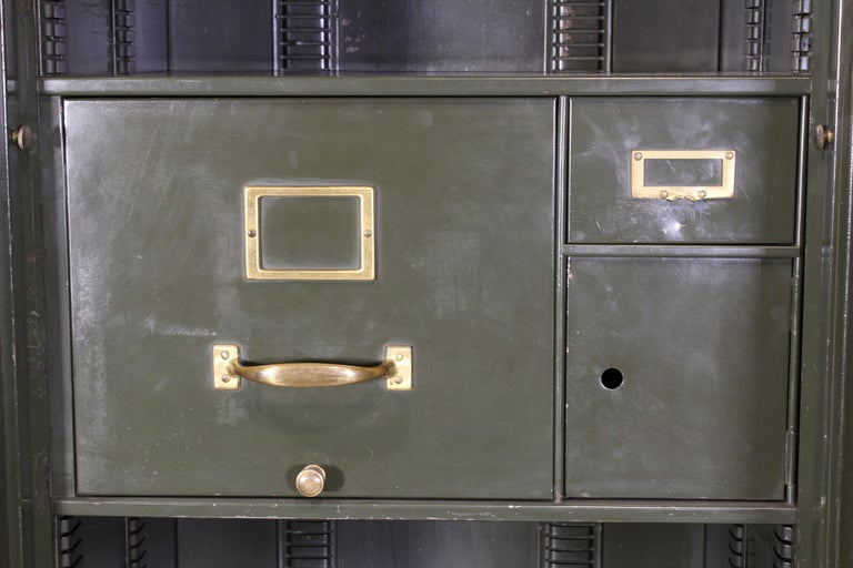 Vintage Steel Safe-Cabinet Co. Safe For Sale 6