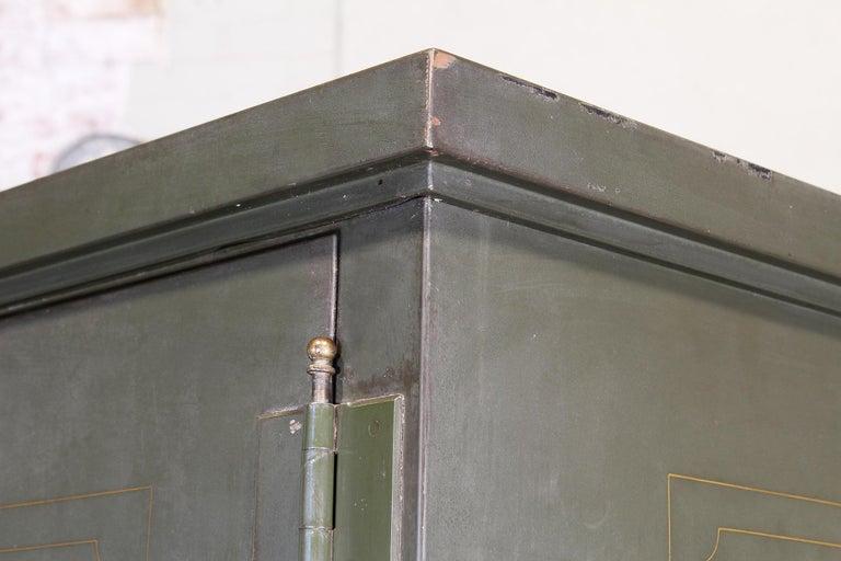 Vintage Steel Safe-Cabinet Co. Safe For Sale 3