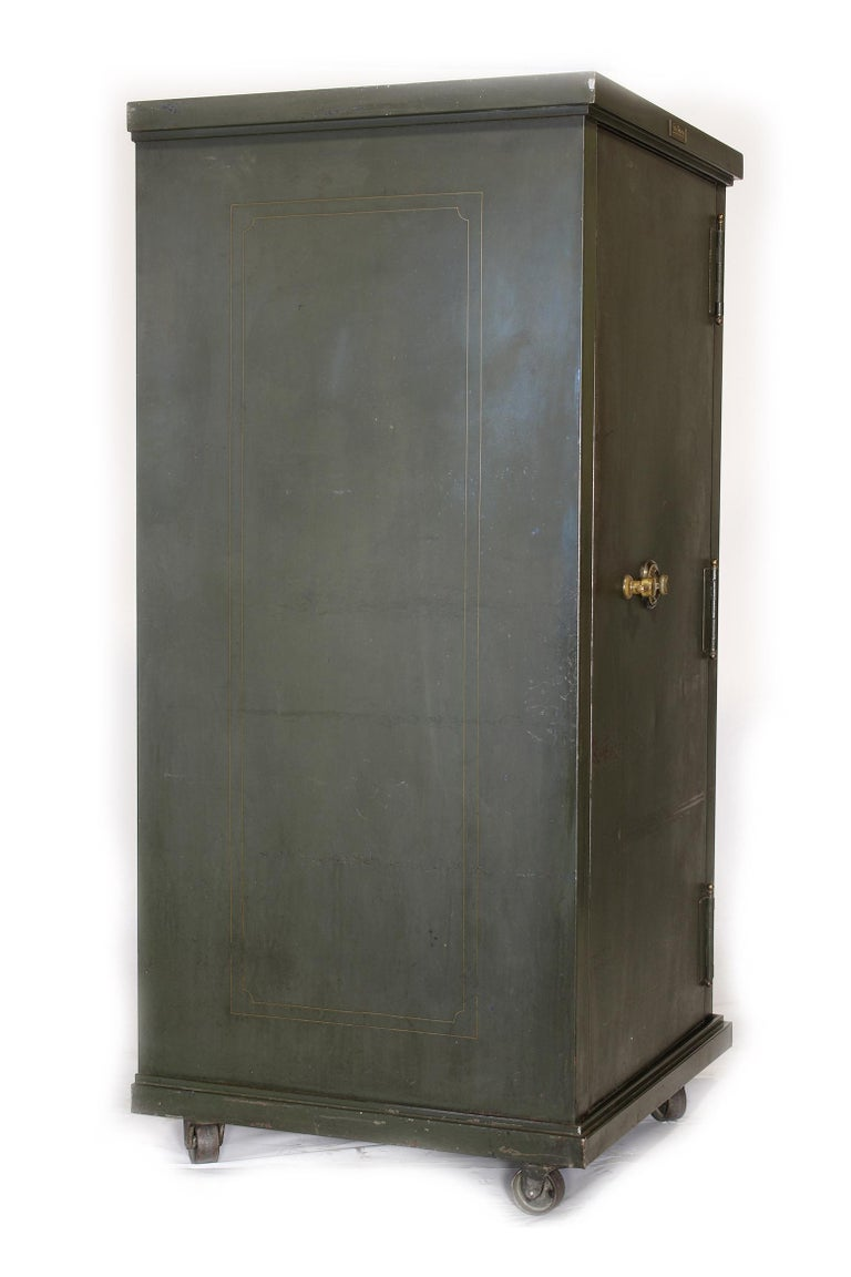 American Vintage Steel Safe-Cabinet Co. Safe For Sale