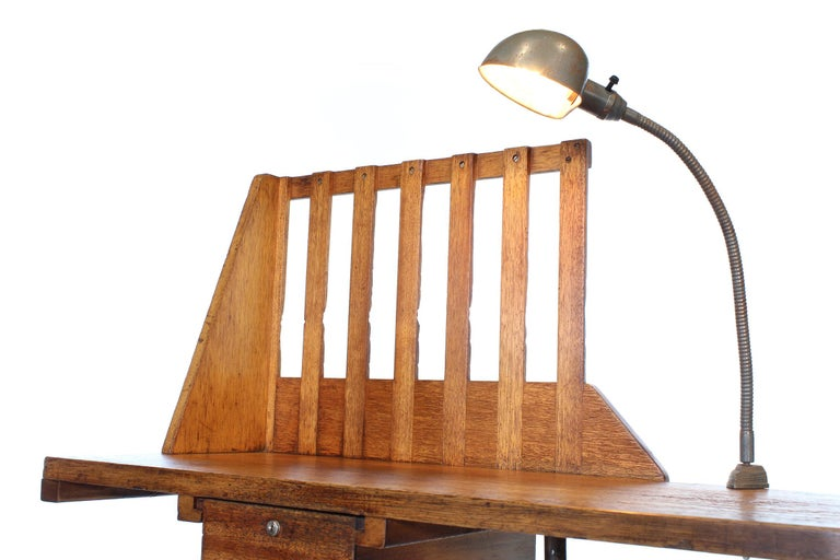 Vintage Industrial Entryway Hall Table or Desk with Clamp-On Lamp For Sale 5