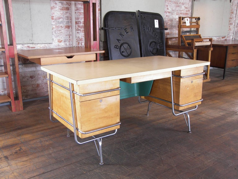 North American Heywood-Wakefield Desk, 1950s Mid-Century Modern Trimline Chrome and Wood For Sale