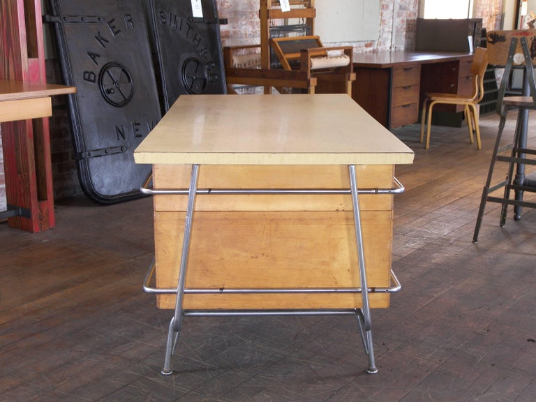 Heywood-Wakefield Desk, 1950s Mid-Century Modern Trimline Chrome and Wood For Sale 2