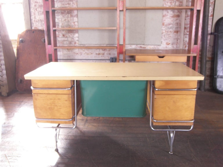 Heywood-Wakefield Desk, 1950s Mid-Century Modern Trimline Chrome and Wood For Sale 3