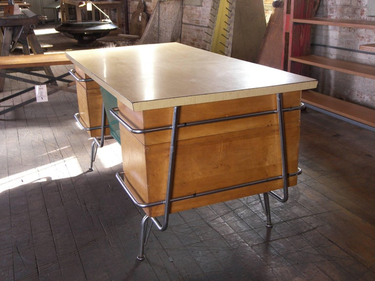 Heywood-Wakefield Desk, 1950s Mid-Century Modern Trimline Chrome and Wood For Sale 4