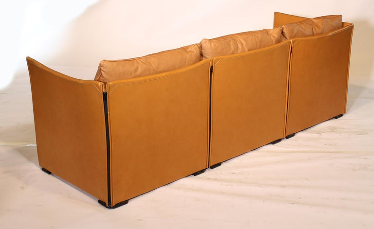 Mario Bellini Tilbury Three-Seat Leather Sofa or Couch For Sale 5