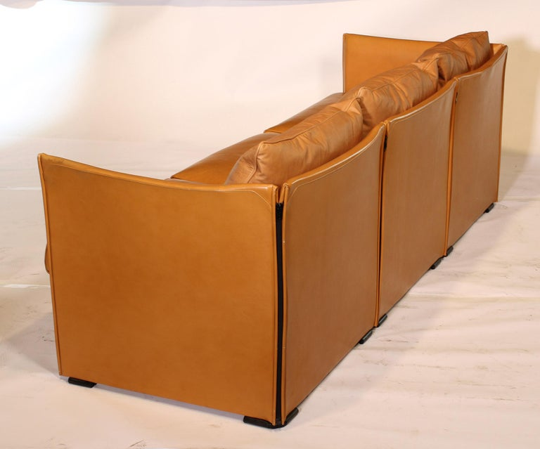 Mario Bellini Tilbury Three-Seat Leather Sofa or Couch For Sale 6