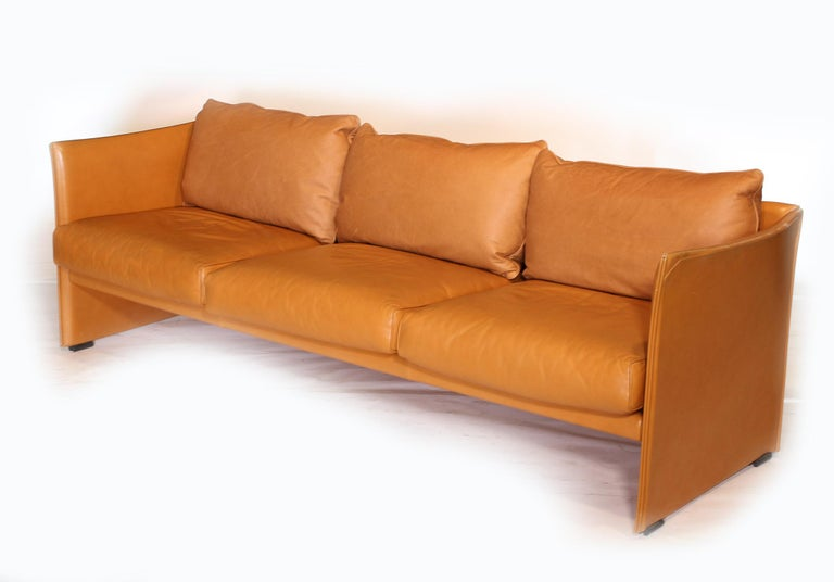 Mid-Century Modern Mario Bellini Tilbury Three-Seat Leather Sofa or Couch For Sale