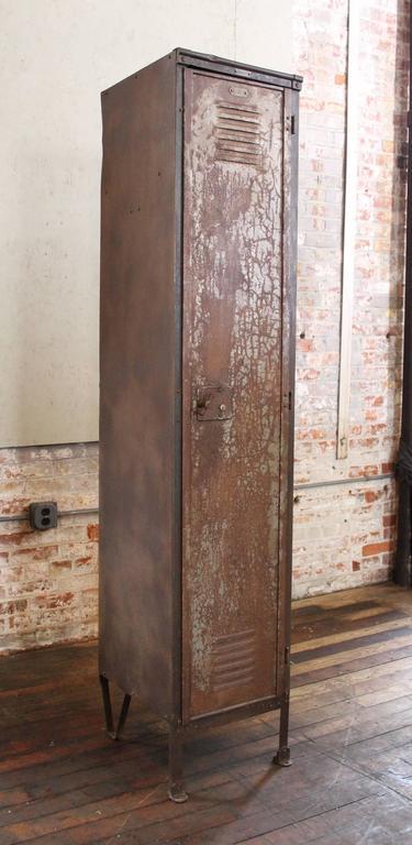 Beau American Vintage Industrial Factory Metal Locker, Old Steel Storage Locker,  Brass Plate For Sale