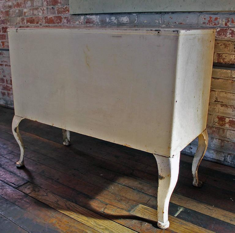 Antique M. Weiss & Co. Doctor's Cabinet In Distressed Condition For Sale In Oakville, CT