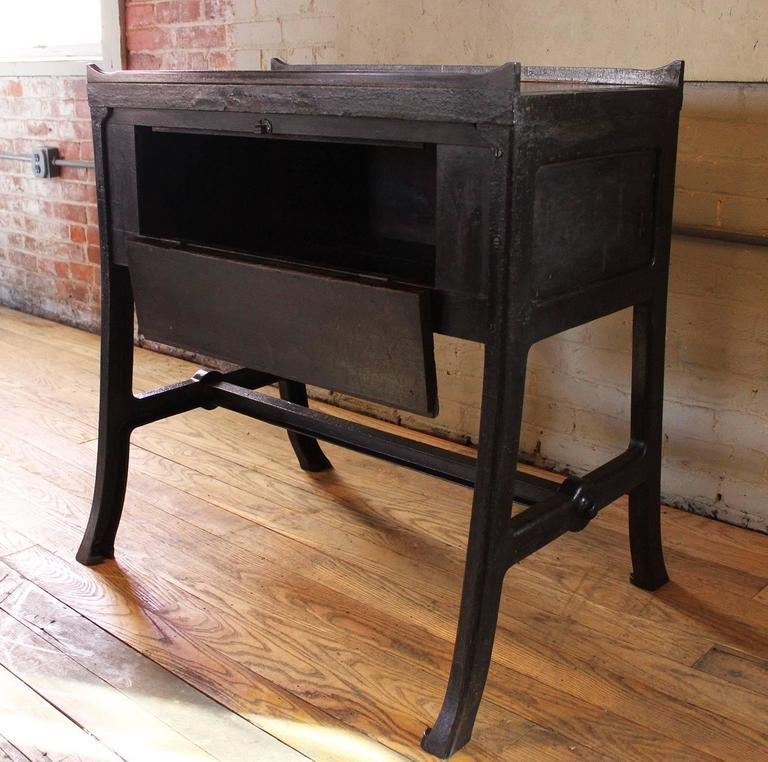 """Vintage Industrial Wood & Cast Iron Printers Proof Table Stand """"New York"""" 7"""
