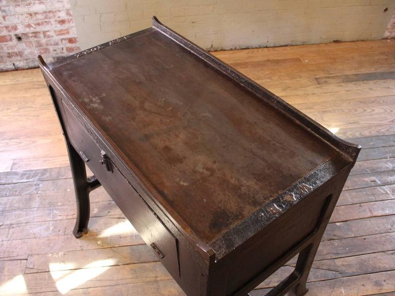 """Vintage Industrial Wood & Cast Iron Printers Proof Table Stand """"New York"""" 4"""