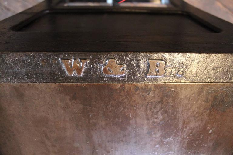 """Vintage Industrial Wood & Cast Iron Printers Proof Table Stand """"New York"""" 10"""