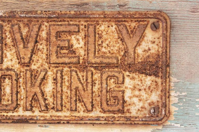 POSITIVELY NO SMOKING Vintage Metal Sign on Painted Wood Block For Sale 2