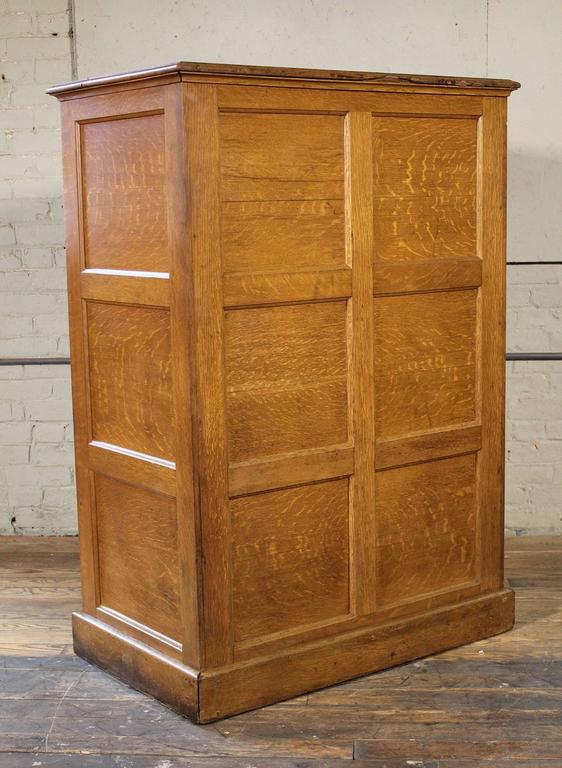 Vintage Industrial Multi-Drawer Oakwood Storage Cabinet In Distressed Condition For Sale In Oakville, CT