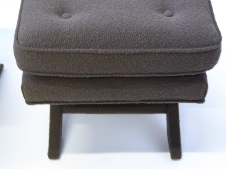 Billy Baldwin Style X-Benches in Dark Cocoa Boucle In Excellent Condition For Sale In Miami, FL