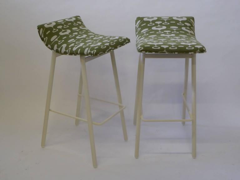 Pair of 1950s MCM Curved Seat Bar Stools For Sale 2