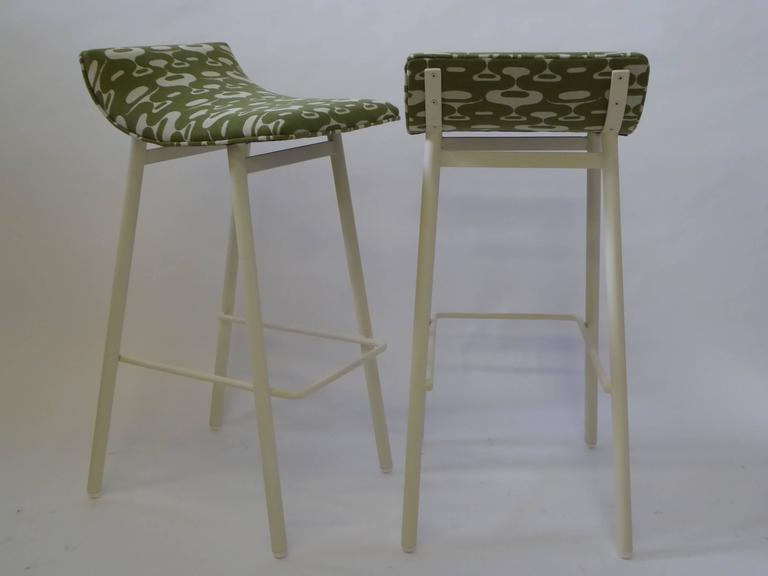 Pair of 1950s MCM Curved Seat Bar Stools For Sale 1