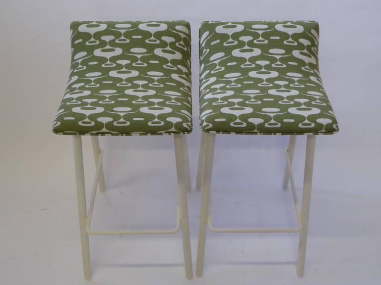 Pair of 1950s MCM Curved Seat Bar Stools For Sale 3