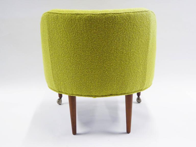 1950s Orla Molgaard Nielsen Style Boucle Upholstered Armchair In Excellent Condition For Sale In Miami, FL
