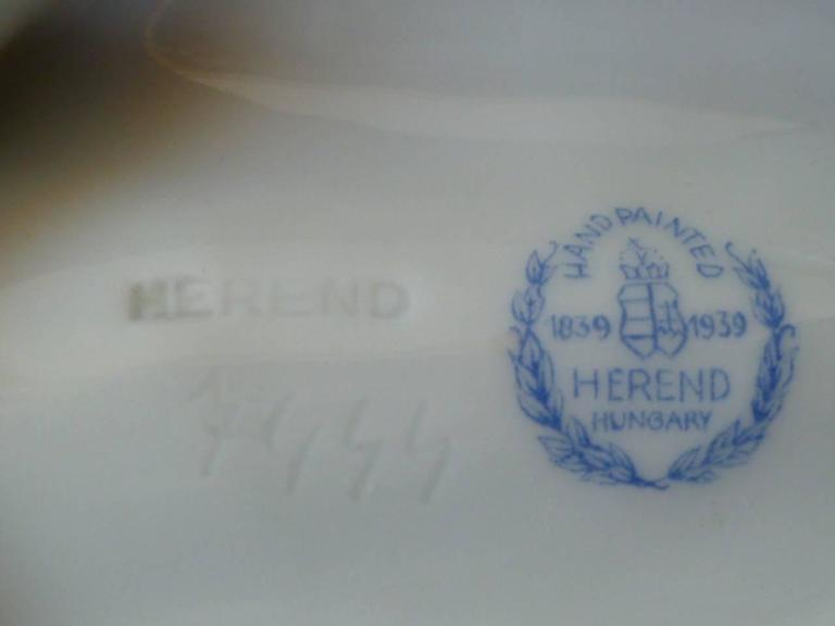Pair of Herend Hungary Modern Shell Porcelain Vessels, 1939 For Sale 1